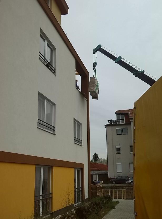 Költöztetés, Nemzetközi fuvarozás, Belföldi fuvarozás, Fuvarozás 3,5 tonnáig Győr - Pintér Tibor